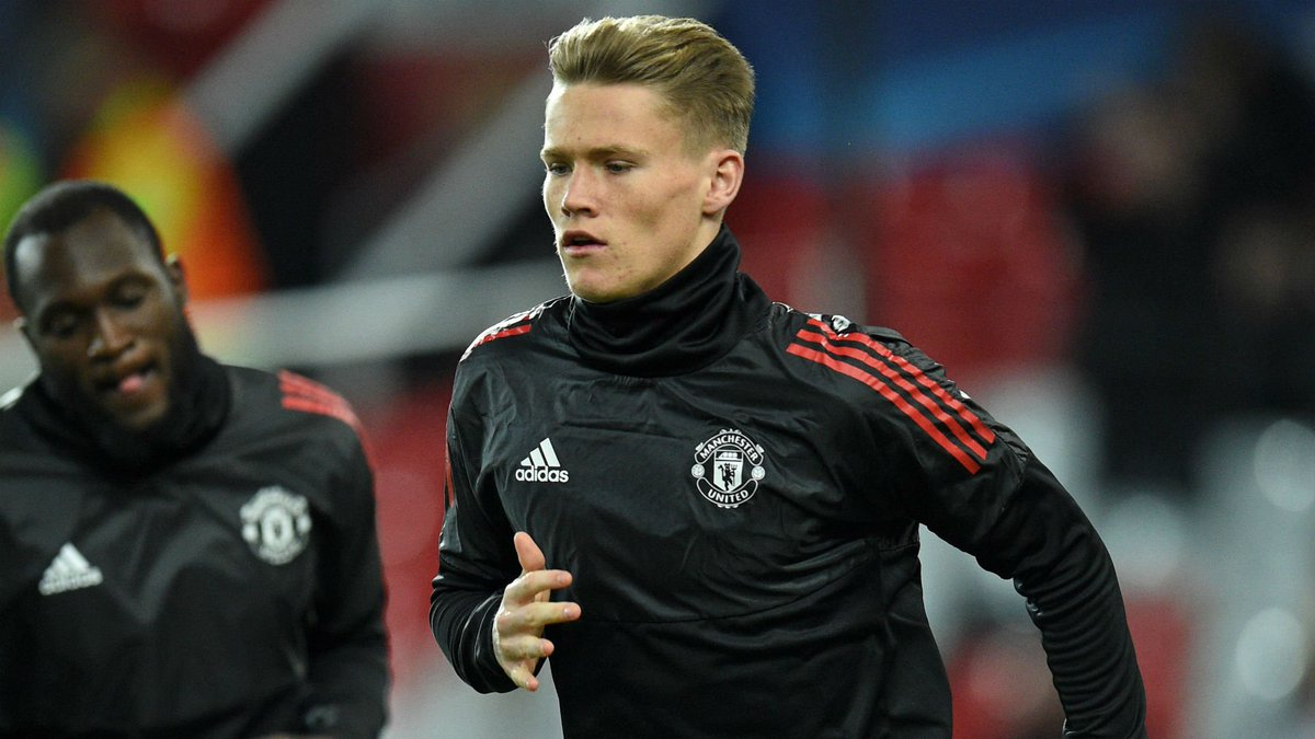 Official: Scott McTominay signs new deal at Manchester United, keeping him at the club until June 2023, with the option of a further year. #mufc