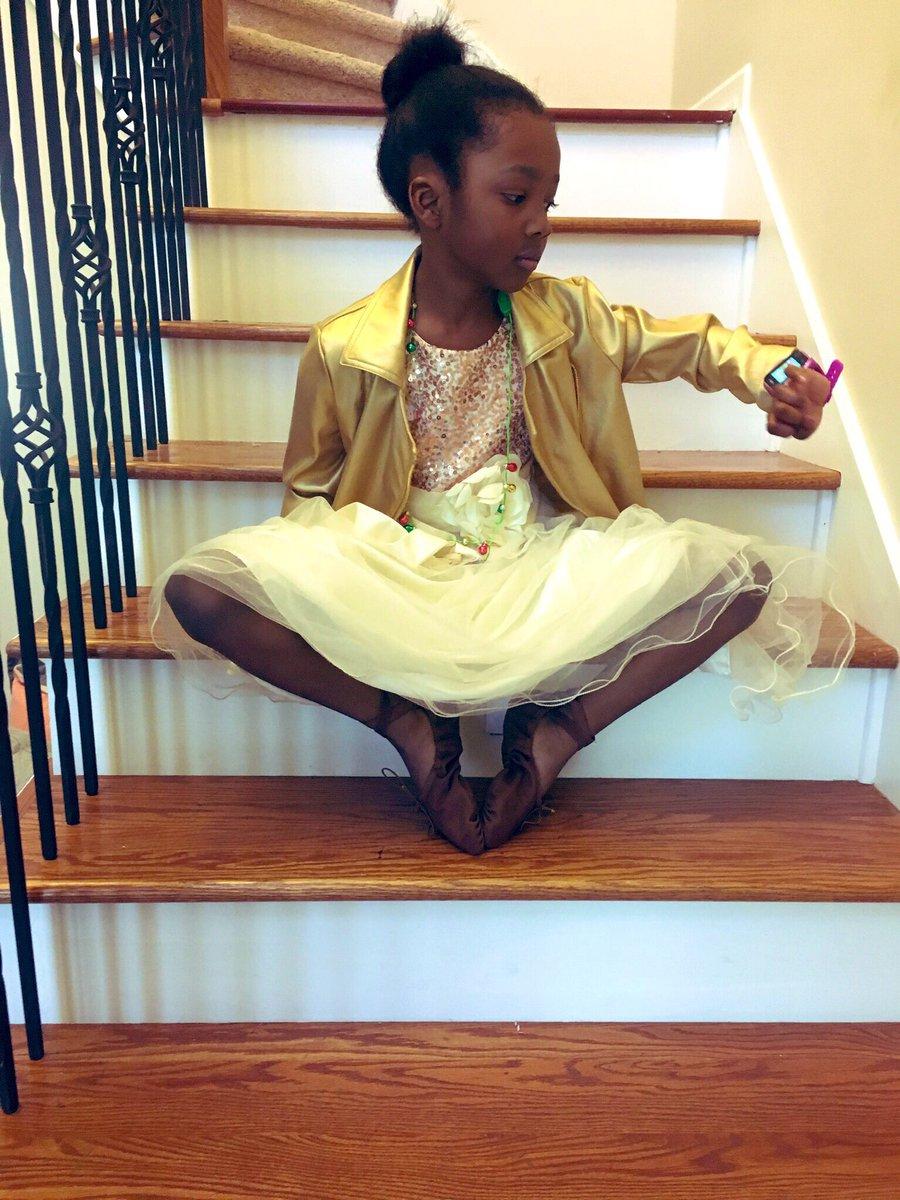 ballerinablackout hashtag on Twitter
