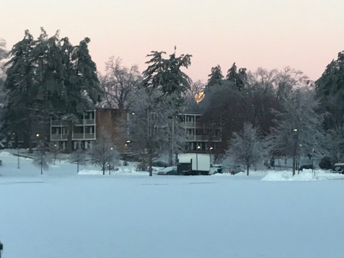 test Twitter Media - Icy morning ⁦@wesleyan_u⁩ as #supermoon descends https://t.co/1uwkl6ENeO