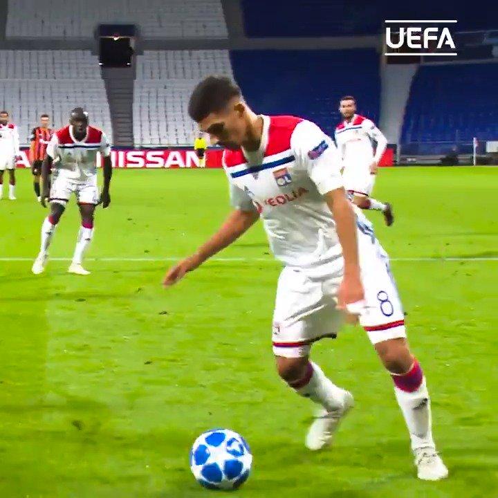 🕵️♂️ #UCL Scout:  🔴🔵 Lyon's latest gem: Houssem Aouar   Glides past opponents ✔️ Defence splitting passes ✔️ Dribbling ✔️  #UCL @OL