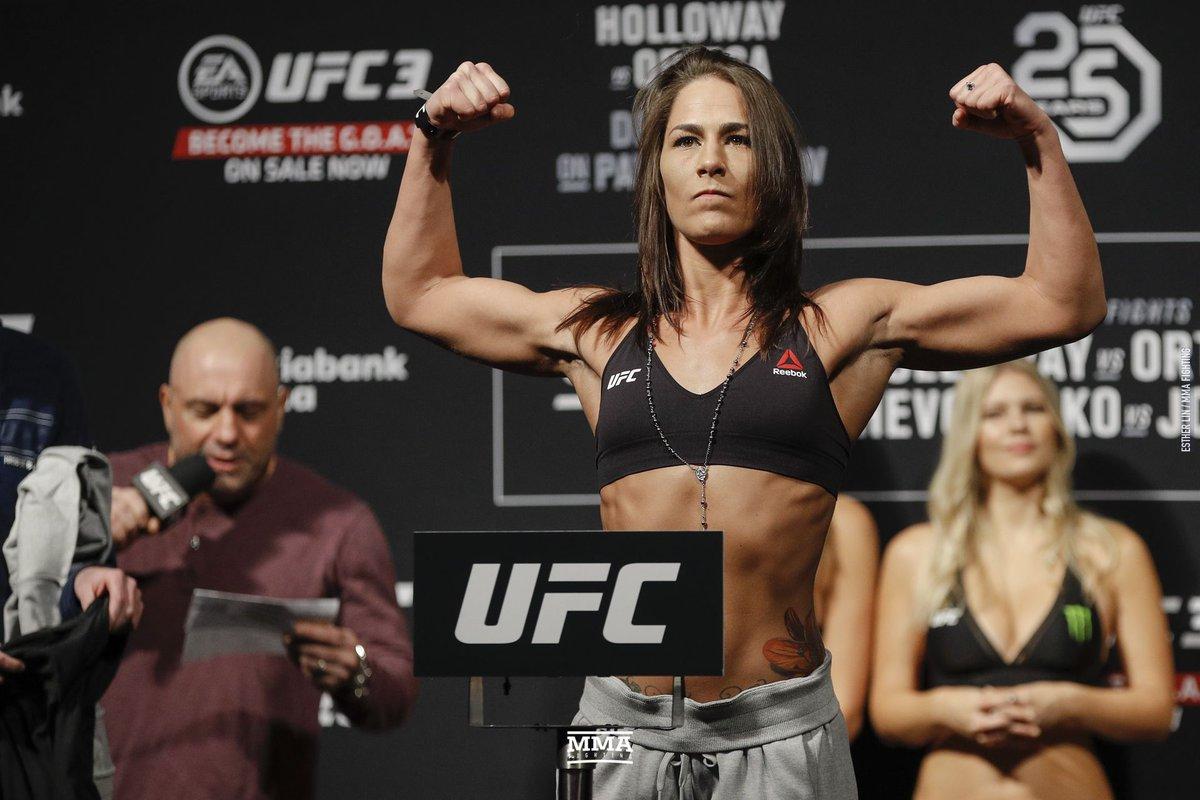 Dana White: Jessica Eye to challenge Valentina Shevchenko for flyweight title (@PetesyCarroll) https://www.mmafighting.com/2019/1/21/18190369/dana-white-jessica-eye-to-challenge-valentina-shevchenko-for-flyweight-title?utm_campaign=mmafighting&utm_content=chorus&utm_medium=social&utm_source=twitter…