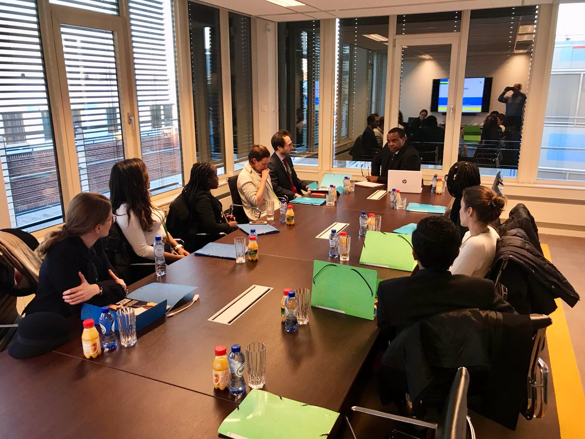This afternoon H.E. Ambassador @JPKarabaranga welcomed international students from The Hague Academy of International Law to get a presentation on #Rwanda by the Ambassador followed by an interactive Q&A session!