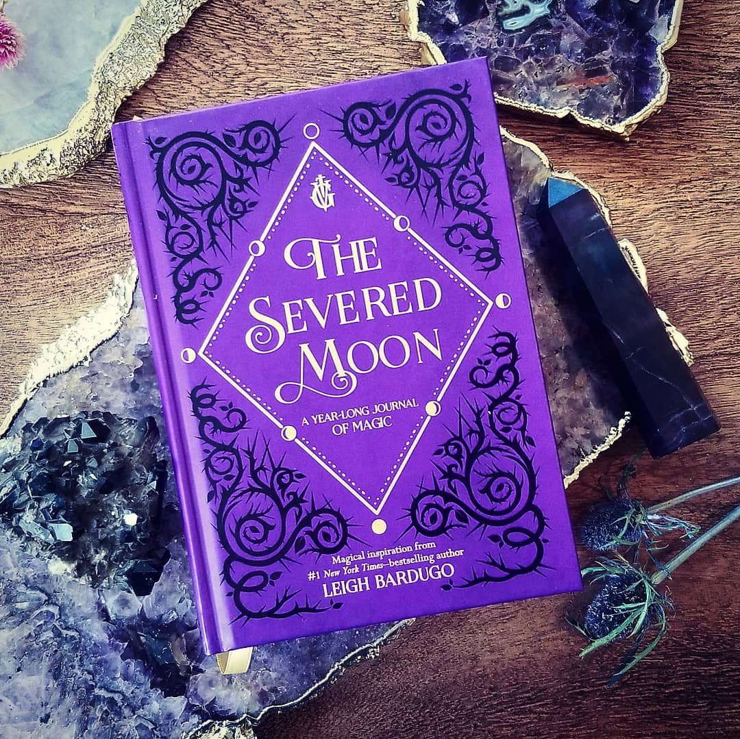 The Severed Moon journal comes out the same day as King of Scars! We filled it with quotes and prompts and questions that I hope will keep you inspired. For a look at the interior pop on over to my IG stories 🌙⚡