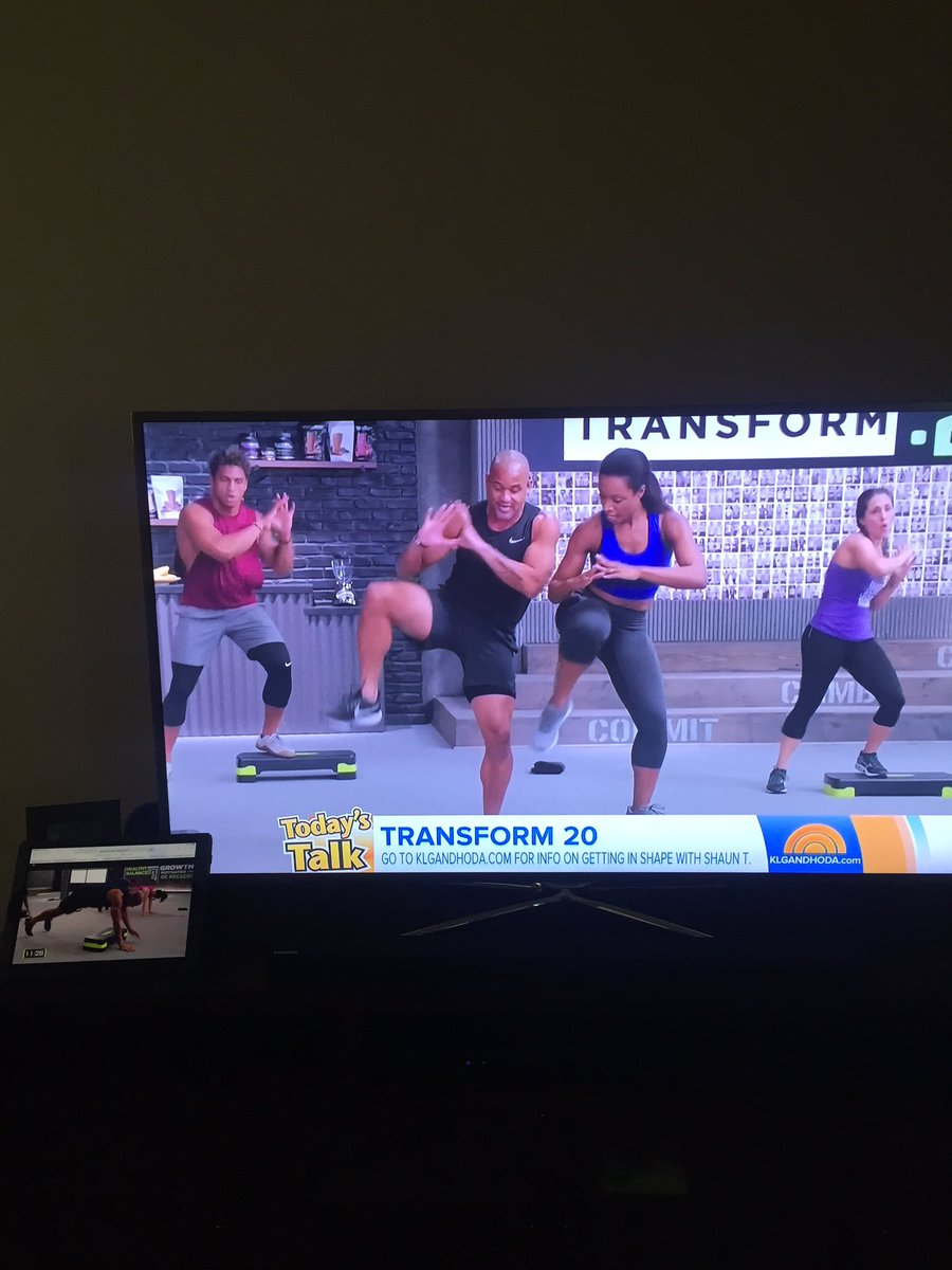 Love that @TODAYshow is showing my boy @ShaunT 's new workout #Transform20 while I'm doing it too #LoveThisWorkout #20MinutesaDay #TeamBeachbodypic.twitter.com/LmLVm2CsH0