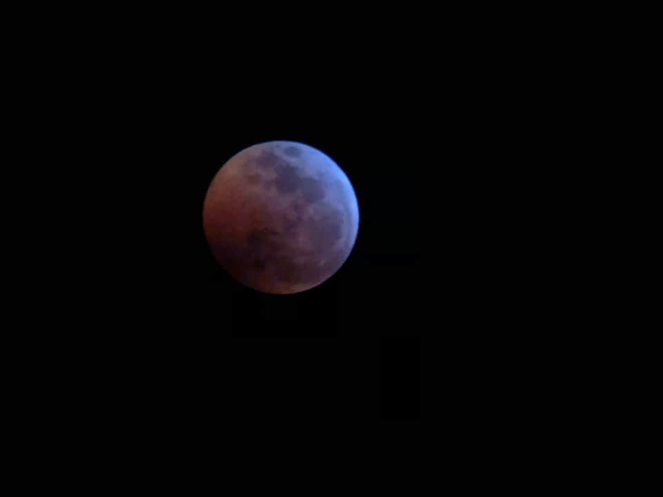 #PHOTOS: 10 #superbloodwolfmoon photos you'll be mooning about all day - https://t.co/IMk4ypa2Ra #KPRC2 🌝