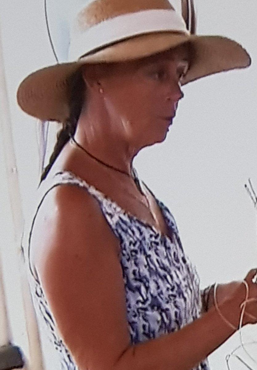 Quand Harriet Oleson te fait le service. #CauchemarEnCuisine <br>http://pic.twitter.com/Tz7Es7UvVA