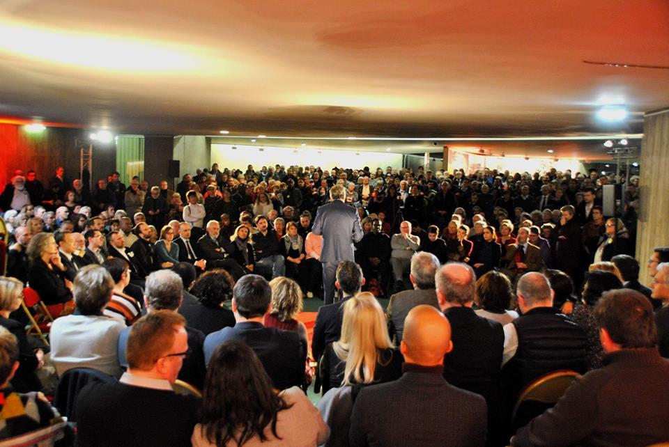 Les communistes se sont réunis en masse ce soir pour les vœux du nouveau secrétaire national @Fabien_Rssl.  700 camarades, tous prêts à s'engager dans les luttes de cette nouvelle année, et notamment dans les élections européennes avec @IanBrossat !