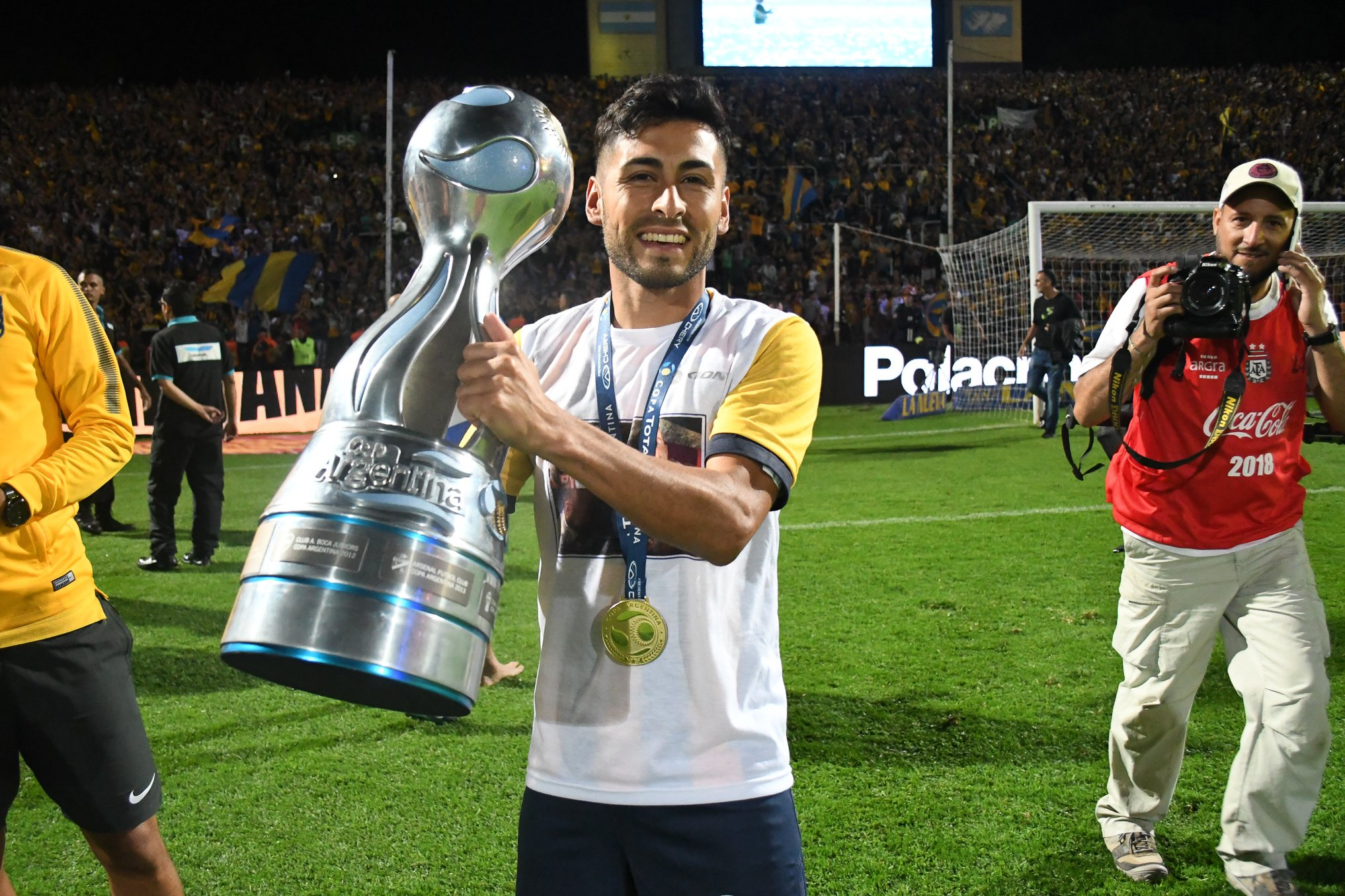 """Rosario Central on Twitter: """"#GraciasPachi   🏆👏🏾 ¡Campeón tras su regreso! El 23/02/17 Carrizo volvió a #RosarioCentral a comenzar una nueva etapa. La misma pudo cerrarla coronándose Campeón de la Copa Argentina"""