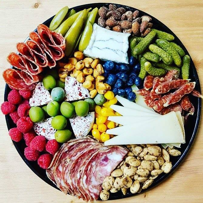 TUROPHILES: look at this gorgeous cheese plate from @GlensGardenMkt.  @GlensBeermonger is a friggin artist.