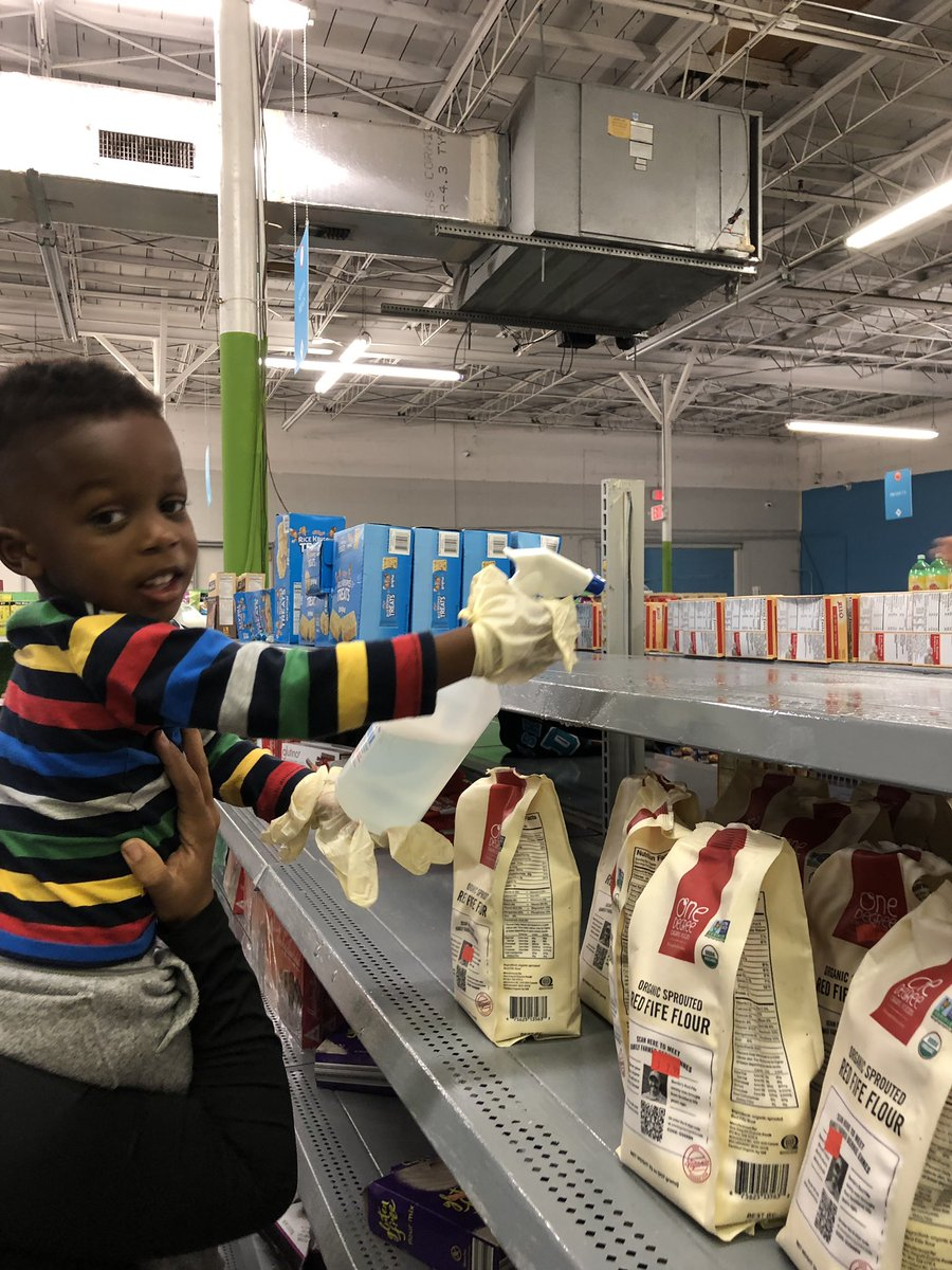 Teaching favorite son #1 the importance of helping those in need. He enjoyed spending time cleaning and restocking shelves @StepUp_Florida. We will see you again, soon. 💙
