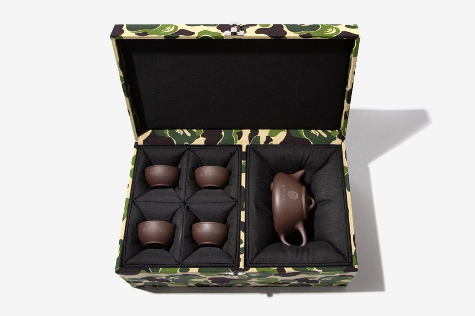 BAPE is dropping a limited-edition tea set for Chinese New Year:   https://t.co/WisSsceqF5