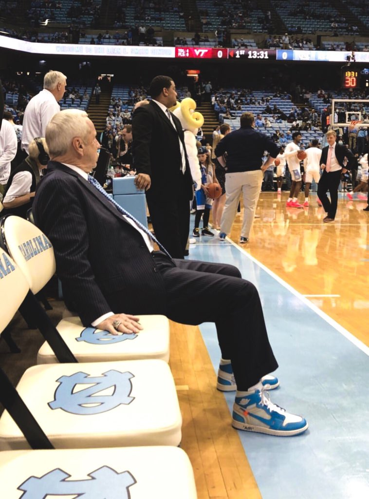 Legendary @UNC_Basketball coach Roy Williams with the #KicksOnCourt flex 💪  📷 @AarDodson