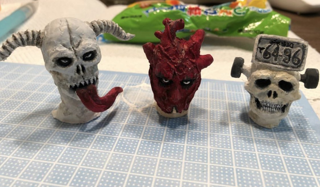 うちの親友がドロヘドロ好きすぎて、粘土遊びのクオリティが星5つの件 https://t.co/8lMCl7KqKn