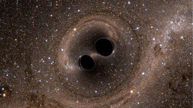 【宇宙の掃除機】ブラックホールとブラックホール、ぶつかったらどうなる? https://t.co/QFuToCaPy5  融合し、より大きな1つのブラックホールになるとの見解。宇宙にとっては2適のしずくがおちるようなものと説明も。