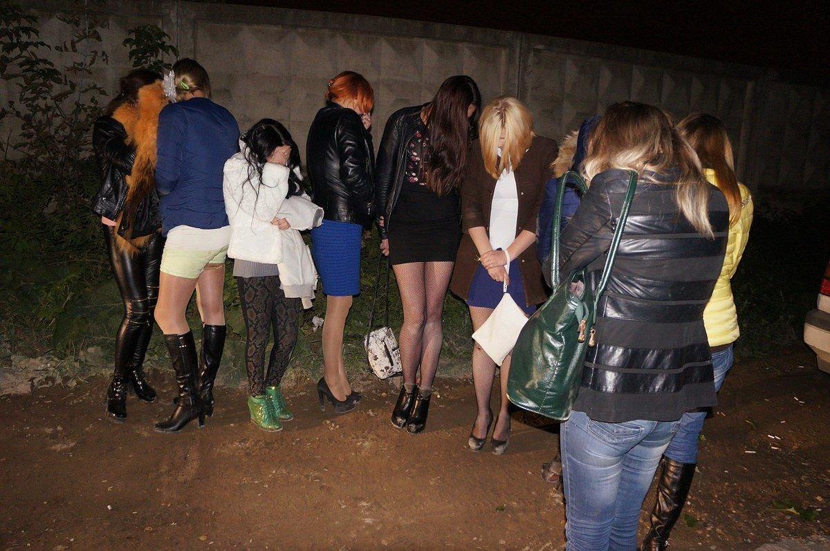 Где в москве можно снять на улице проститутку проститутка орск
