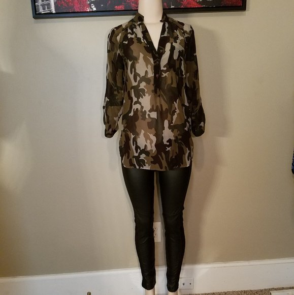 So good I had to share! Check out all the items I'm loving on @Poshmarkapp #poshmark #fashion #style #shopmycloset #truth #michaelmichaelkors: https://bnc.lt/focc/3dlf3bQSzT