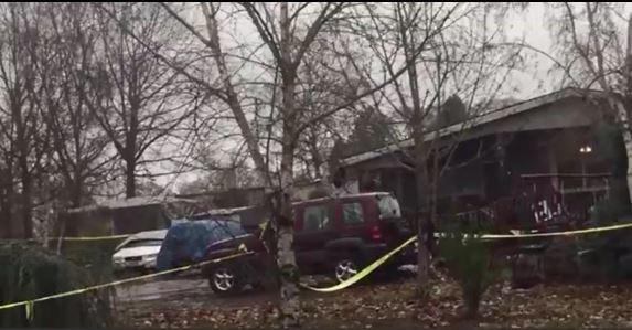 Memorial set up outside house of slain Oregon family https://t.co/aSb9Cfl70b #10TV