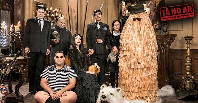 O #TáNoAr não cansa de mexer com a nossa infância. Família Addams ganha releitura no programa desta terça: https://t.co/g7S4Op0Jfi