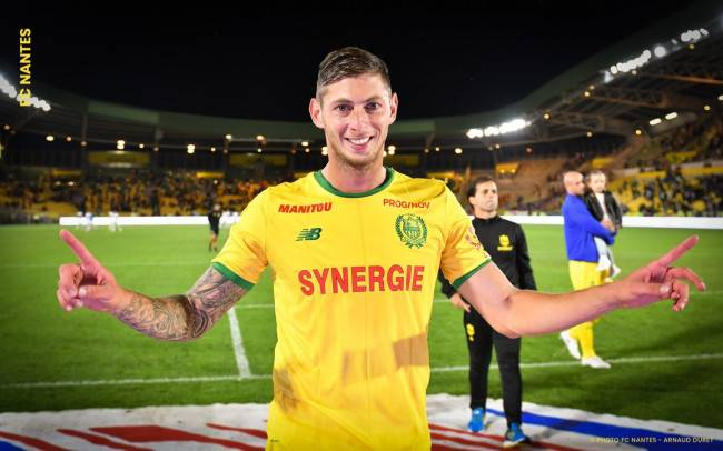 BREAKING: British coast guard are searching for a light aircraft that was carrying Cardiff and former Nantes football player Emiliano Sala, the plane disappeared from radar last night off the coast of Alderney in the English Channel. There were two people onboard.