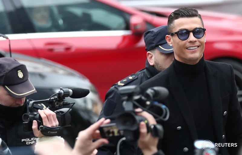 JUST IN: Soccer star @Cristiano accepts deal in tax fraud case in Spain with fine, suspended sentence - court spokesman. Read latest https://t.co/fTGBu8xRiG