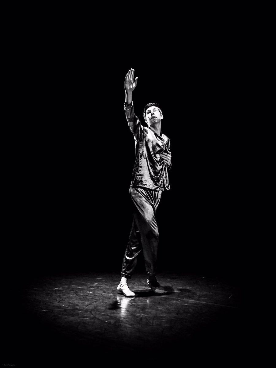 Je vous mets encore quelques photos de notre instameet avec @IgersAnjou au @CNDCAngers lors du #festivalsolo #cndcangers #Angers encore merci aux danseurs.
