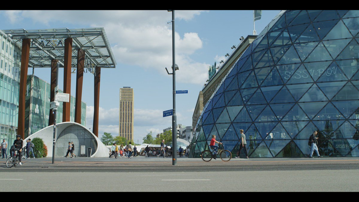 Here it is: our documentary about high tech hub Eindhoven! 'In the film Curious Tom, the 11-year-old Tom gets informed and inspired by all kind of technologies and innovations that are being created in Eindhoven.' https://www.hightechcampus.com/curioustom-documentary-about-high-tech-hub-eindhoven …