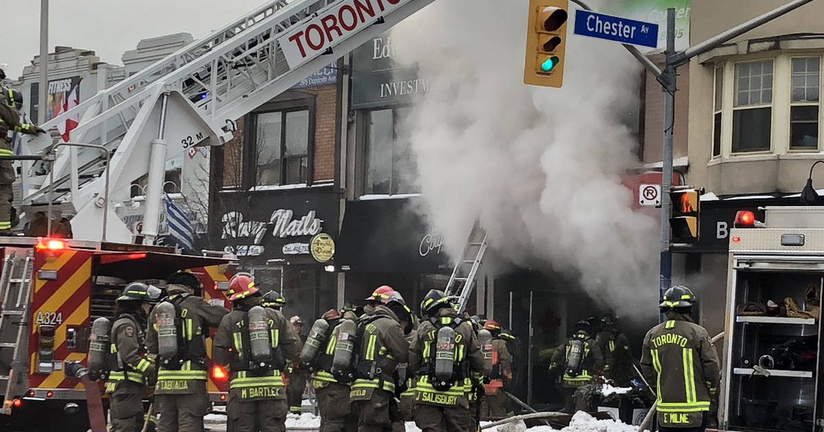 A fire just destroyed an iconic diner in #Toronto https://t.co/9oazmBrd6U