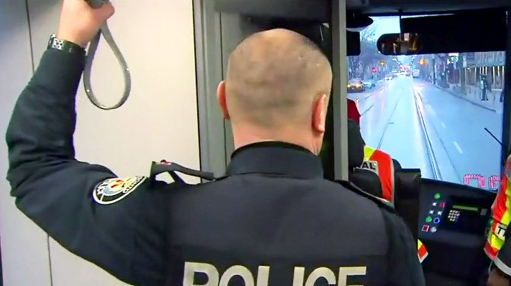 Toronto police charge 670 drivers over week-long distracted driving blitz https://t.co/gyIONetuSR