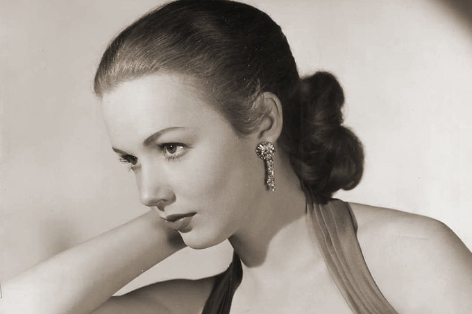 Happy 87th birthday to Piper Laurie!
