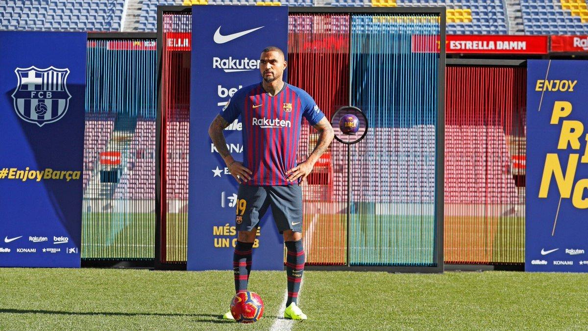 'Soy jugador del Barcelona y Messi es el mejor jugador del mundo'. ¡No te pierdas la PRESENTACIÓN oficial de Boateng con el Barça a las 3 en #JUGONES!