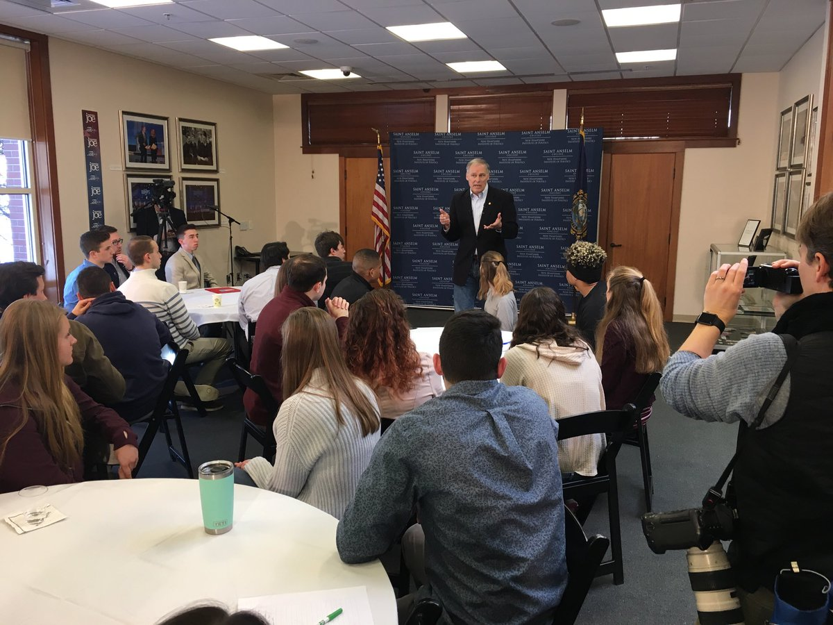 2020 Watch-NOW: Before discussing #climatechange with @SaintAnselm students at @nhiop - potential Democratic presidential contender @GovInslee spoke with @NHDems @ChairmanBuckley - The Washington State gov. heads to @dartmouth next  #NHPolitics #FITN #2020election #WAelex