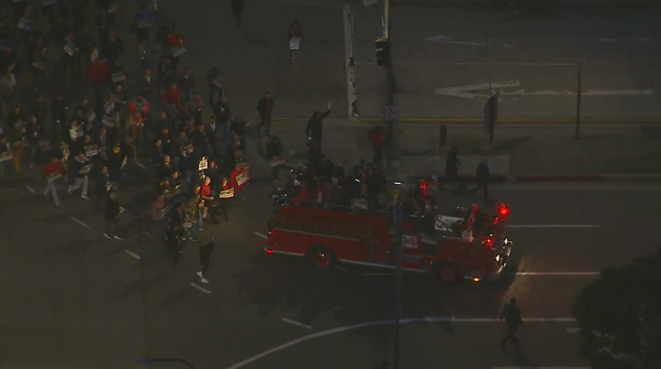WATCH #LIVE: Firefighters march in solidarity with striking LAUSD teachers in downtown Los Angeles https://t.co/b43aAEoSQP