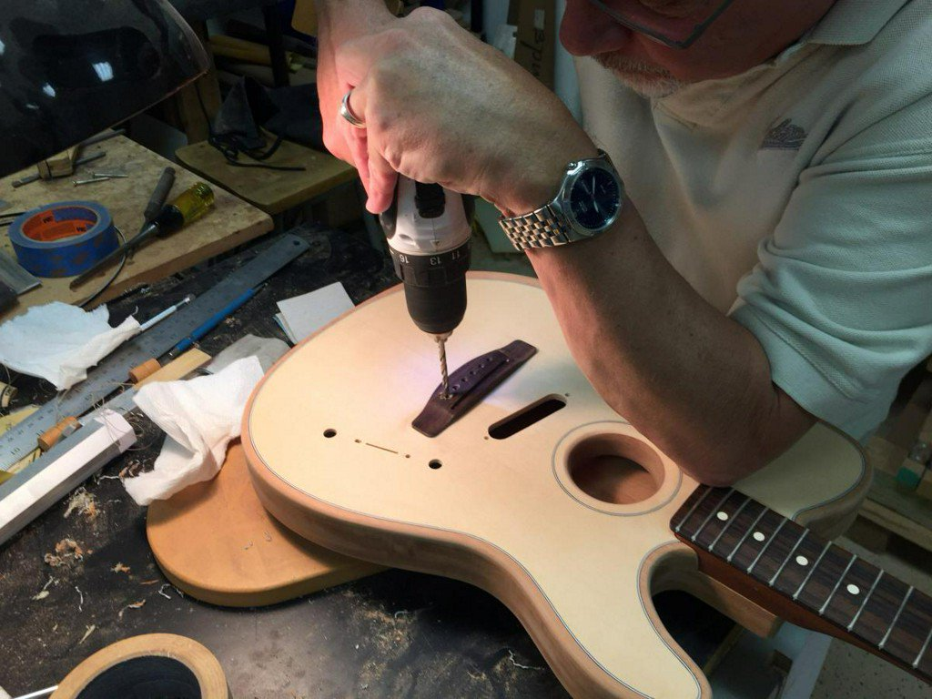 Electric guitar maker Fender launches U.S.-made acoustic guitar https://t.co/E88gYcJ8ym