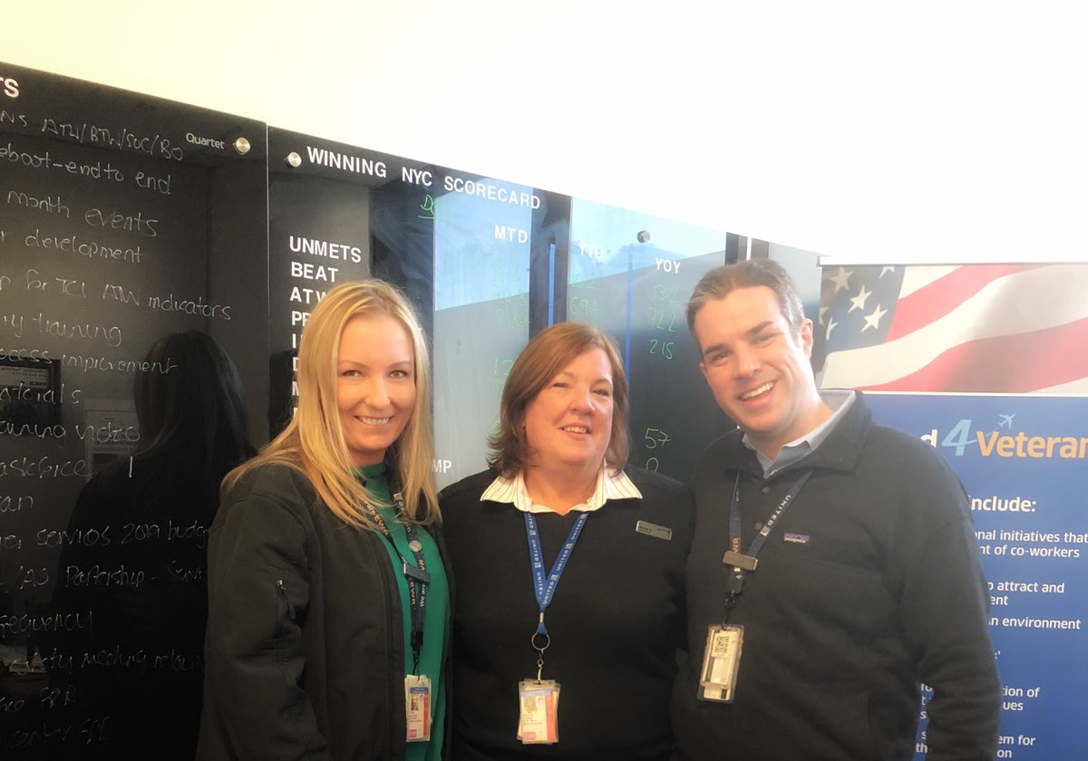 Wow! What an incredible story. One of our EWR United Club CSR who is also a nurse performed CPR to revive the customer. Great job Maureen. So proud to be on your team. @weareunited @Rick_Hoefling @jonathangooda
