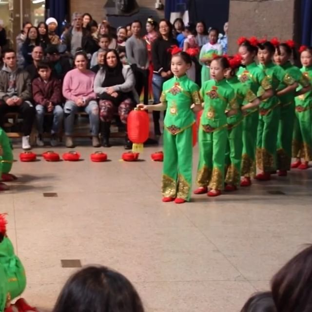 So cute! Dance at the Penn Museum in celebration of the coming Lunar New Year (Chinese New Year) on Feb. 5. ⛩ #lunarnewyear #chinesenewyear #video #cute #dance #dancers #kids #kidsfun #kidsdance #pennmuseum #chinese #philadelphia #philly #phillygram … http://bit.ly/2U72QDS