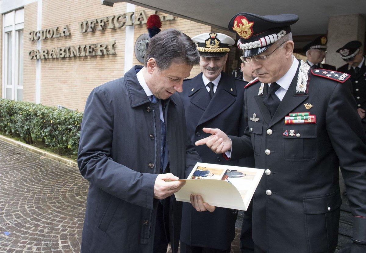 Il Presidente @GiuseppeConteIT ha partecipato questa mattina all'inaugurazione dell'Anno Accademico della Scuola Ufficiali dei Carabinieri https://t.co/fiqsJCrzvc