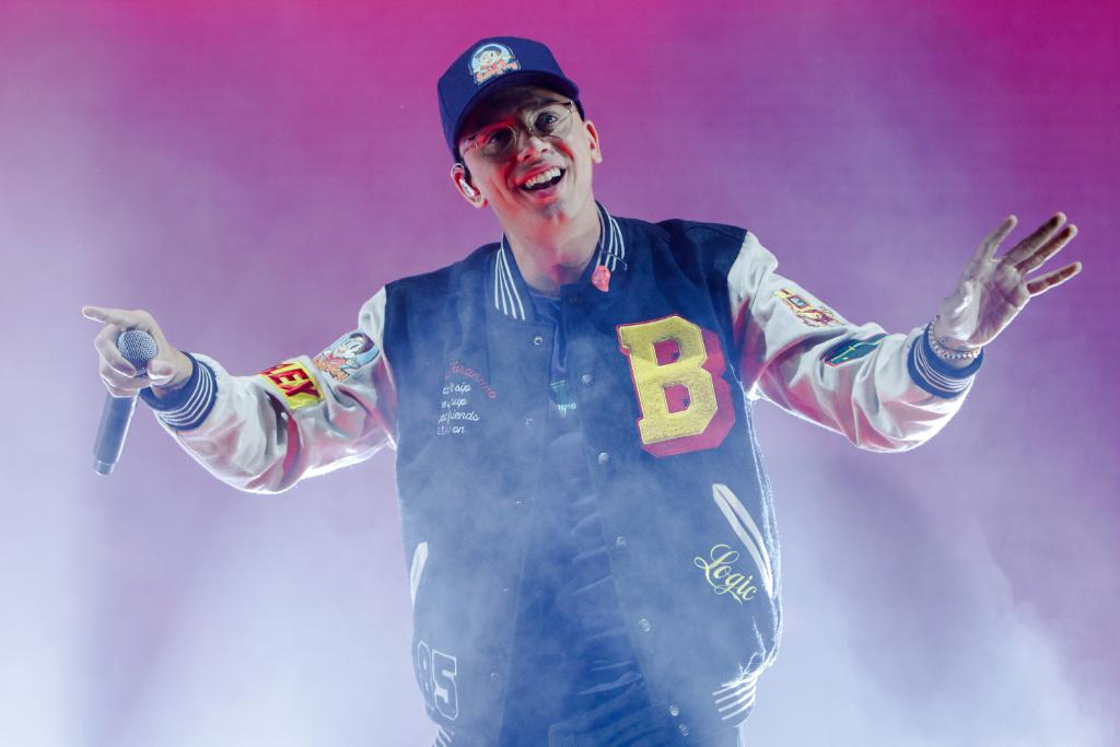 """Happy Birthday, @Logic301! The Maryland-born rapper – who just dropped his new track """"Keanu Reeves"""" this past week – turns 29 today! Celebrate with our Logic A-Z playlist: https://t.co/PDkl7XLtlM"""