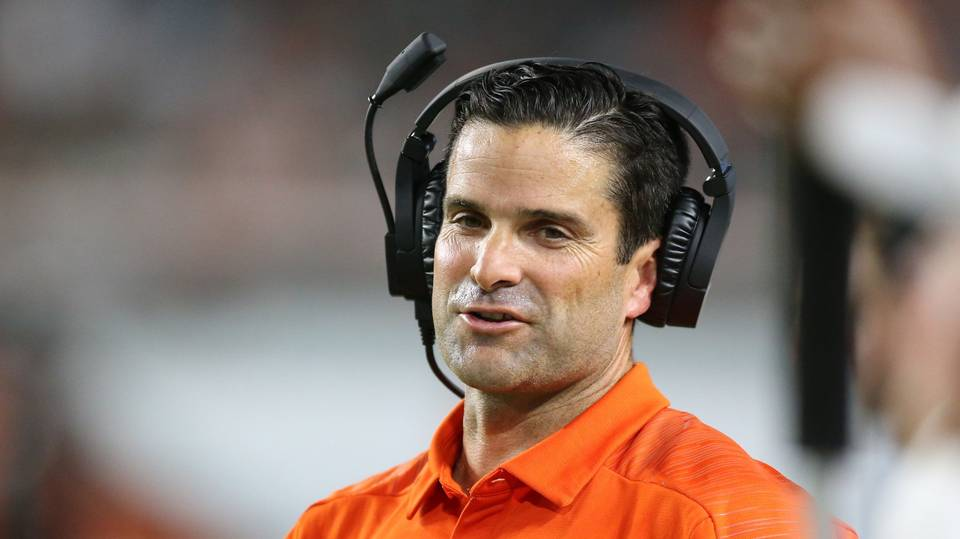 .@Coach_MannyDiaz finds potential ace recruiter for Miami with last batch of coaching hires. https://t.co/cEuDIh7e2V