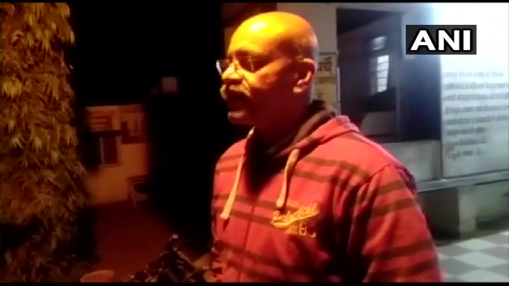 Madhya Pradesh: 4 bodies & a man in critical condition were found in a home by police in Raisen. AP Singh, ASP Raisen says,'Man admitted to hospital & is out of danger. His wife, 12-day-old daughter, 11-year-old brother-in-law, & mother-in-law were declared dead. Probe underway.'