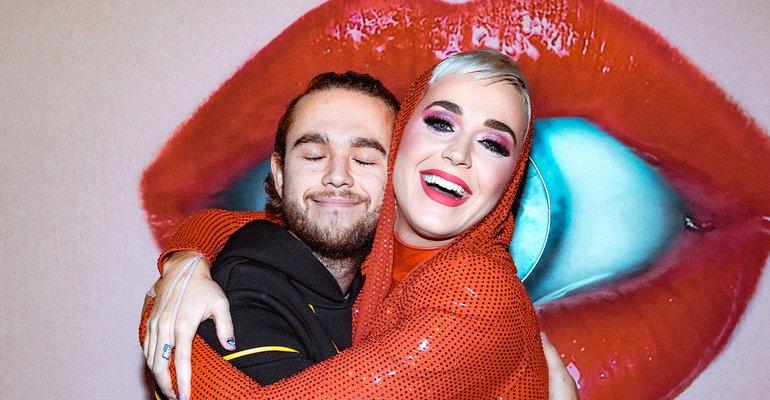 Finalmente! Parceria entre Katy Perry e Zedd é confirmada e música ganha título -->  / https://t.co/TwnmCdNapm   #KatyIsComing##katyperry3#zedd65