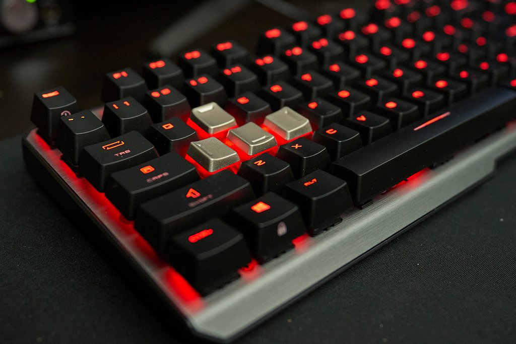 Msi Gaming Usa On Twitter Red And Only Red Or Rgb Vigor Gk60 Https T Co Merfd9rx8q Clutch Gm50 Https T Co Hahdpkp0jw Vigor Gk60 Clutch Gm50 Https T Co C1eqzjdnfd