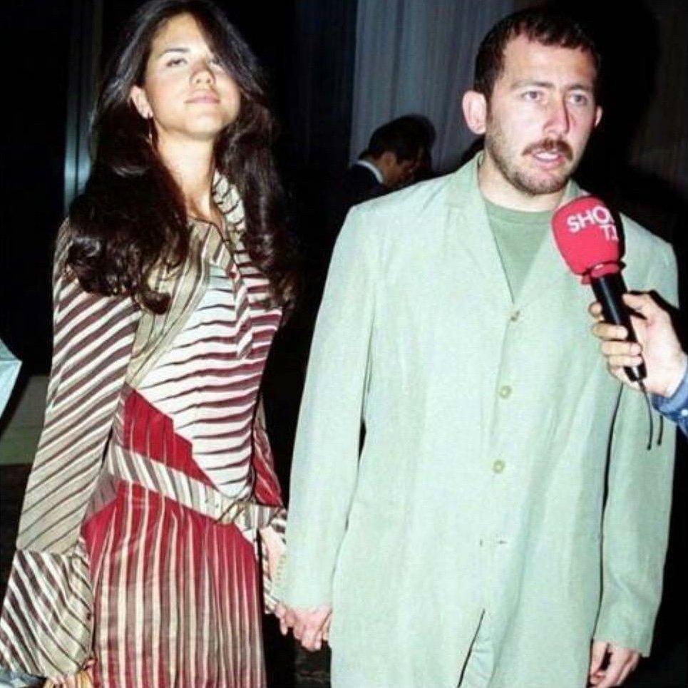 RT @Fatihhan3: Sergen Yalçın'ın doksanlarda giydiği nevresim takımı. https://t.co/i4vibb8Iq2