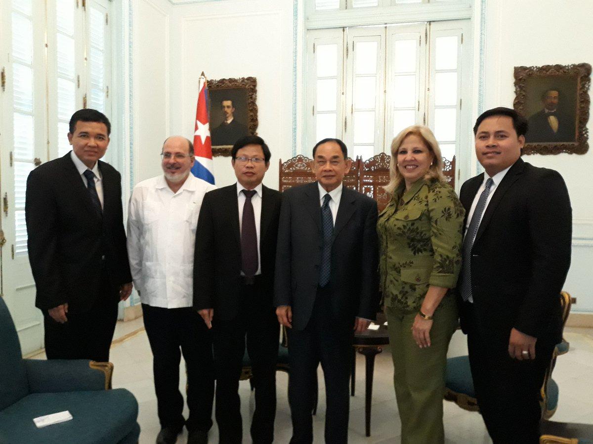 Viceministra cubana de Relaciones Exteriores recibe a dirigente partidista camboyano