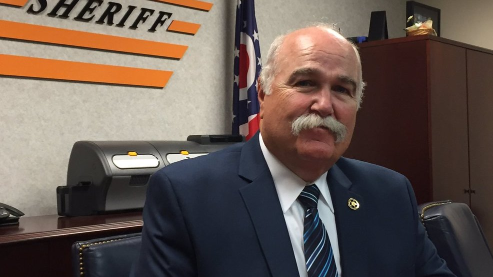 .@butlersheriff Richard Jones calls on former presidents Obama, George W. Bush to help country 'unify' https://t.co/NPL9kW8rLm  THOUGHTS? 'The country needs the two of you to show the American people that our political parties can get along even if opinions differ'