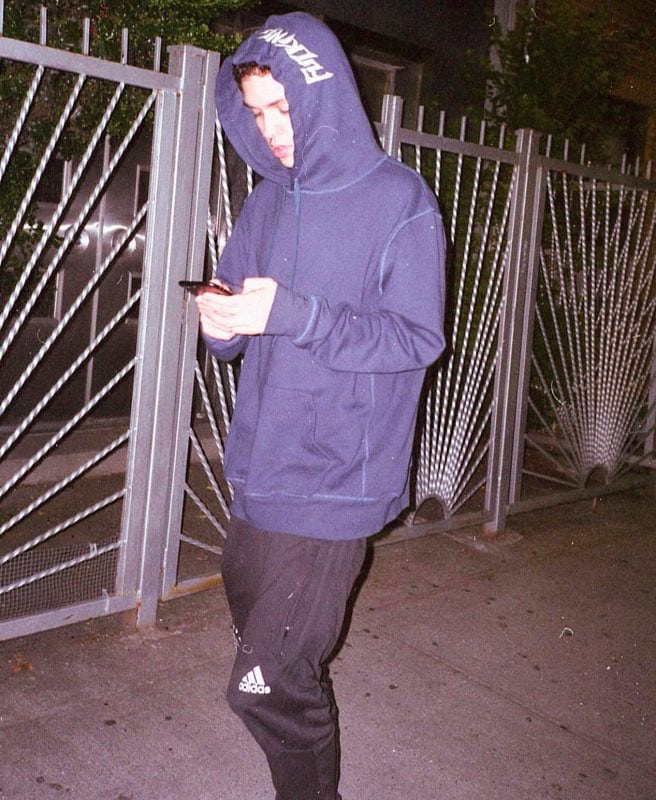 16yrold on leaving small town Ohio for New York City, meeting artists online, and why he hates touring. https://t.co/r18UPM2iIU
