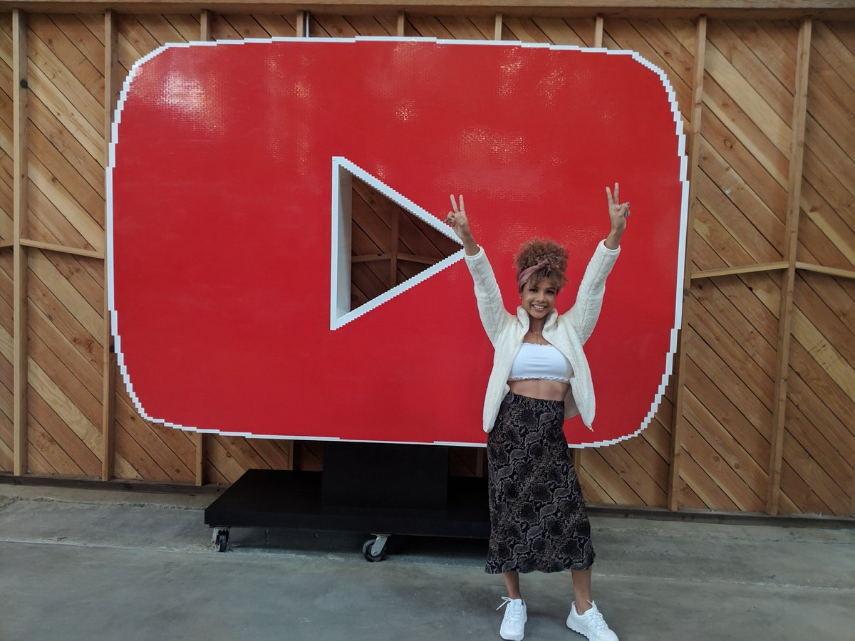 Creator @DoralysBritto stopped by YouTube's office in LA today!  For lifestyle and beauty videos from Doralys, check out her channel: https://t.co/bzVLpnmbjZ 💄