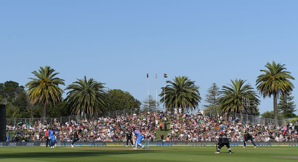 #NZvIND | Why play was stopped due to sunlight in #NapierODI  https://t.co/mcwIEmwkff