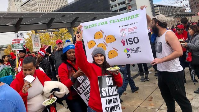 JUST IN: Los Angeles teachers approve contract deal, end six-day strike https://t.co/E7g5wJtRUz