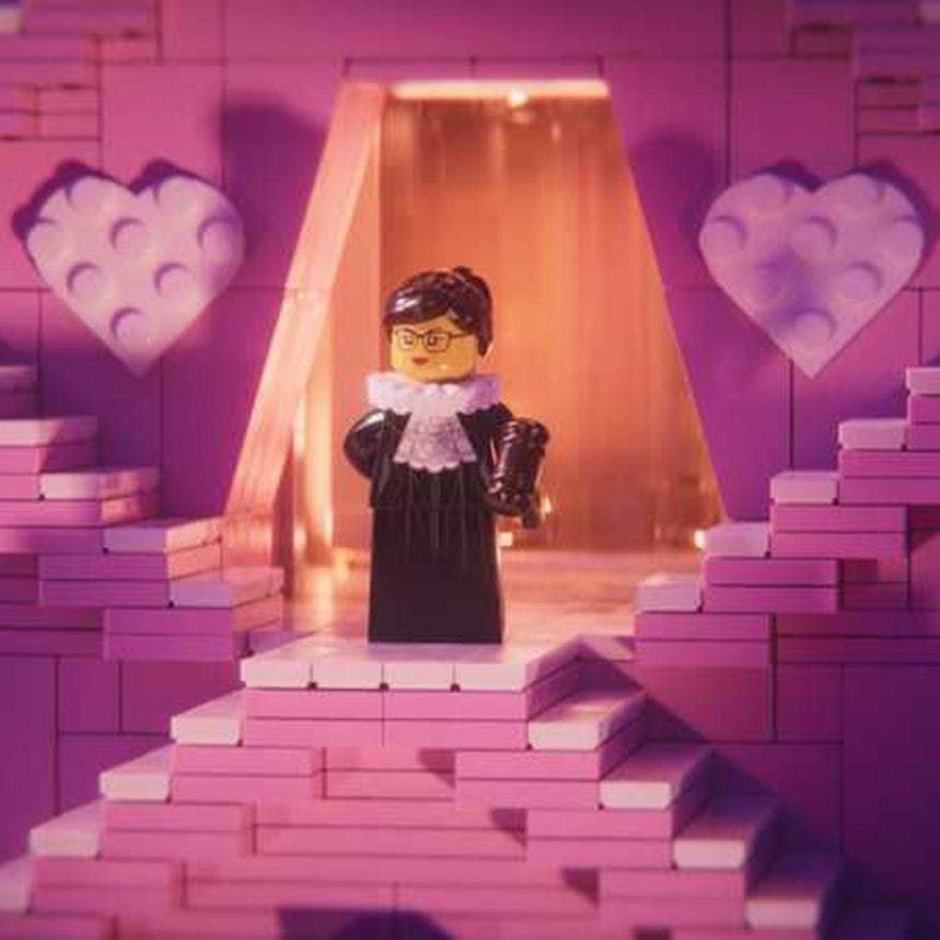A reminder that #RuthBaderGinsburg is about to become a Lego figurine, and it's all thanks to @TheLEGOMovie : https://t.co/GZbgyWMQn7 #LegoMovie2