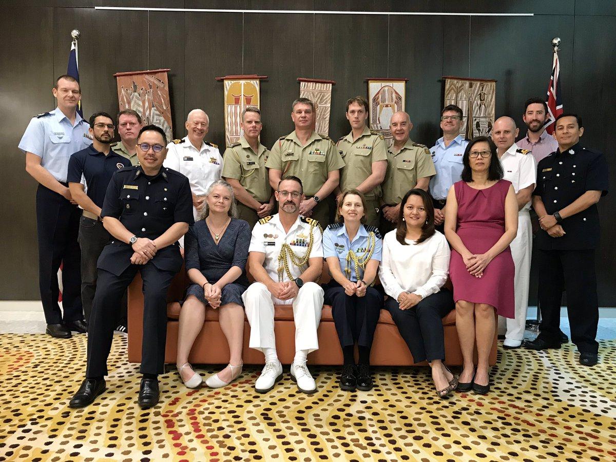 #YourADF in #Malaysia team for 2019. Strengthening partnerships through international engagement. #army #navy #airforce #australia 🇦🇺🇲🇾@AusHCMalaysia @DeptDefence @AusAirForce @Australian_Navy @cpyne @AustralianArmy